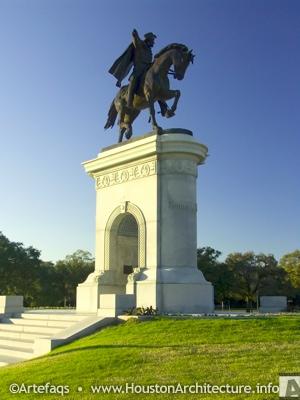 Photo of Sam Houston Statue in Houston, Texas
