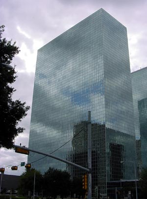 9 Greenway Plaza in Houston, Texas