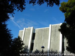 Photo of University of Houston McElhinney Hall in Houston, Texas